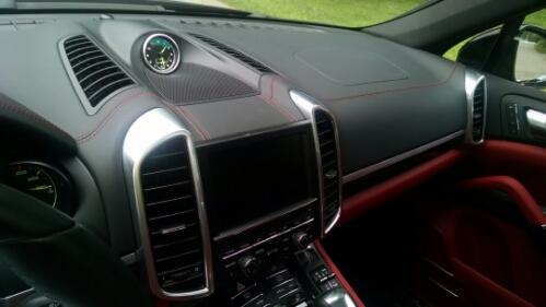 porsche cayenne plugin hybrid electric car