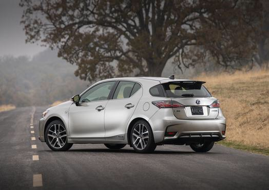 A sporty chassis featuring a double-wishbone rear suspension and lateral performance dampers keeps the CT 200h connected to the road's curves while providing a Lexus-smooth ride.